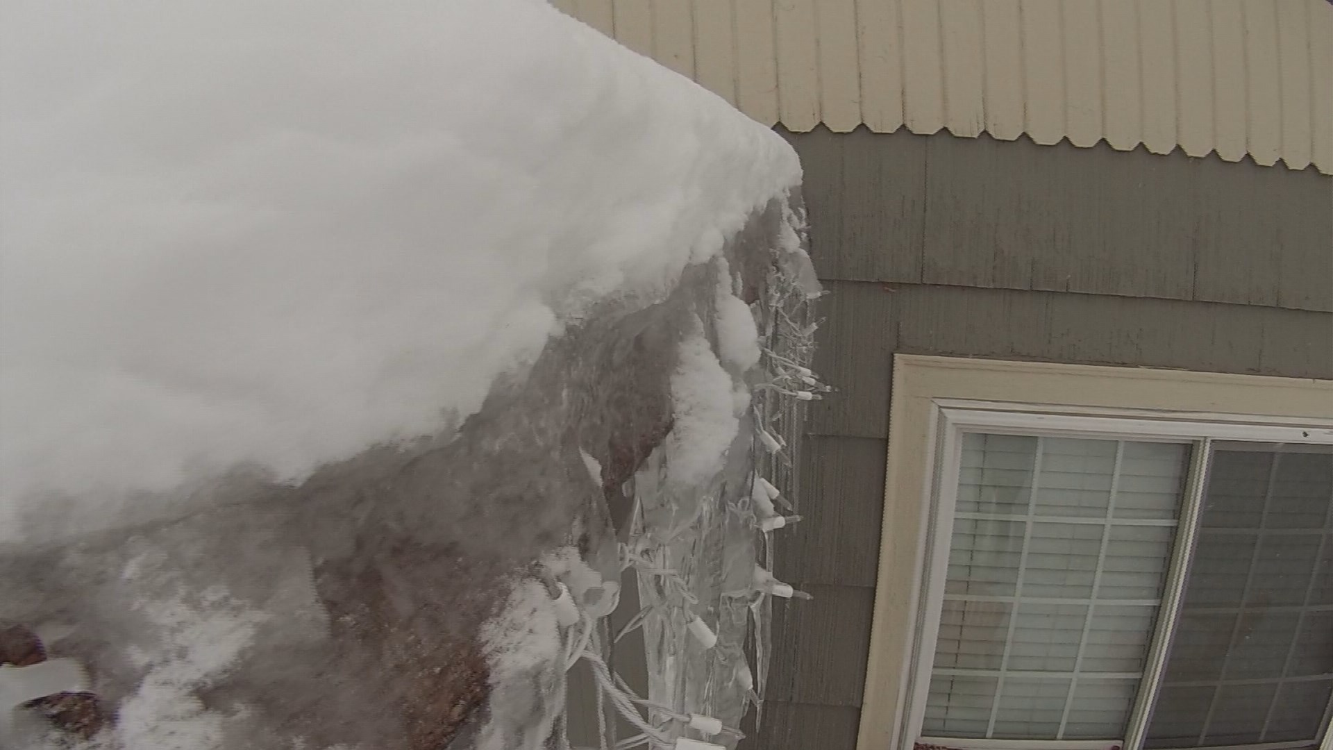 Are Ice Dams Building Up On Your Roof Ktvb Com