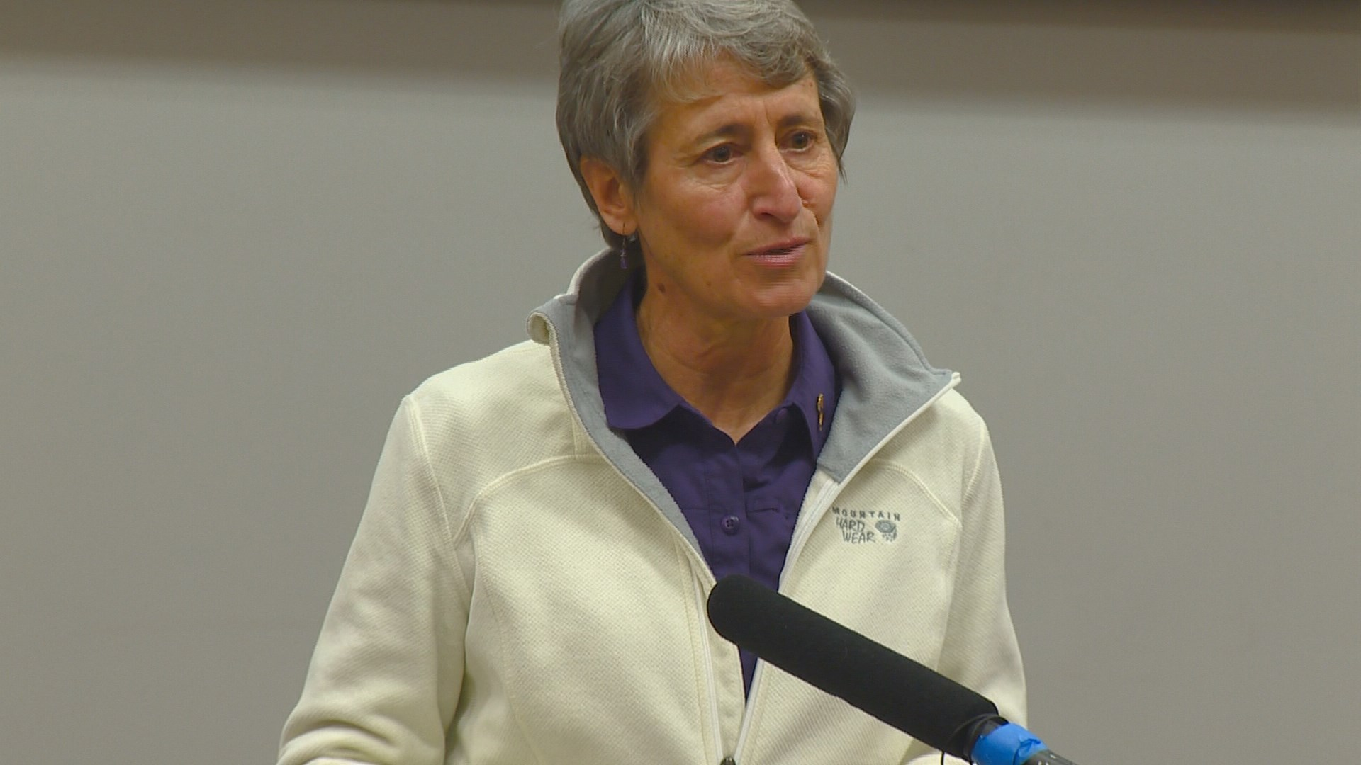 Interior Secretary Visits Boise Recaps Fire Season Ktvb Com