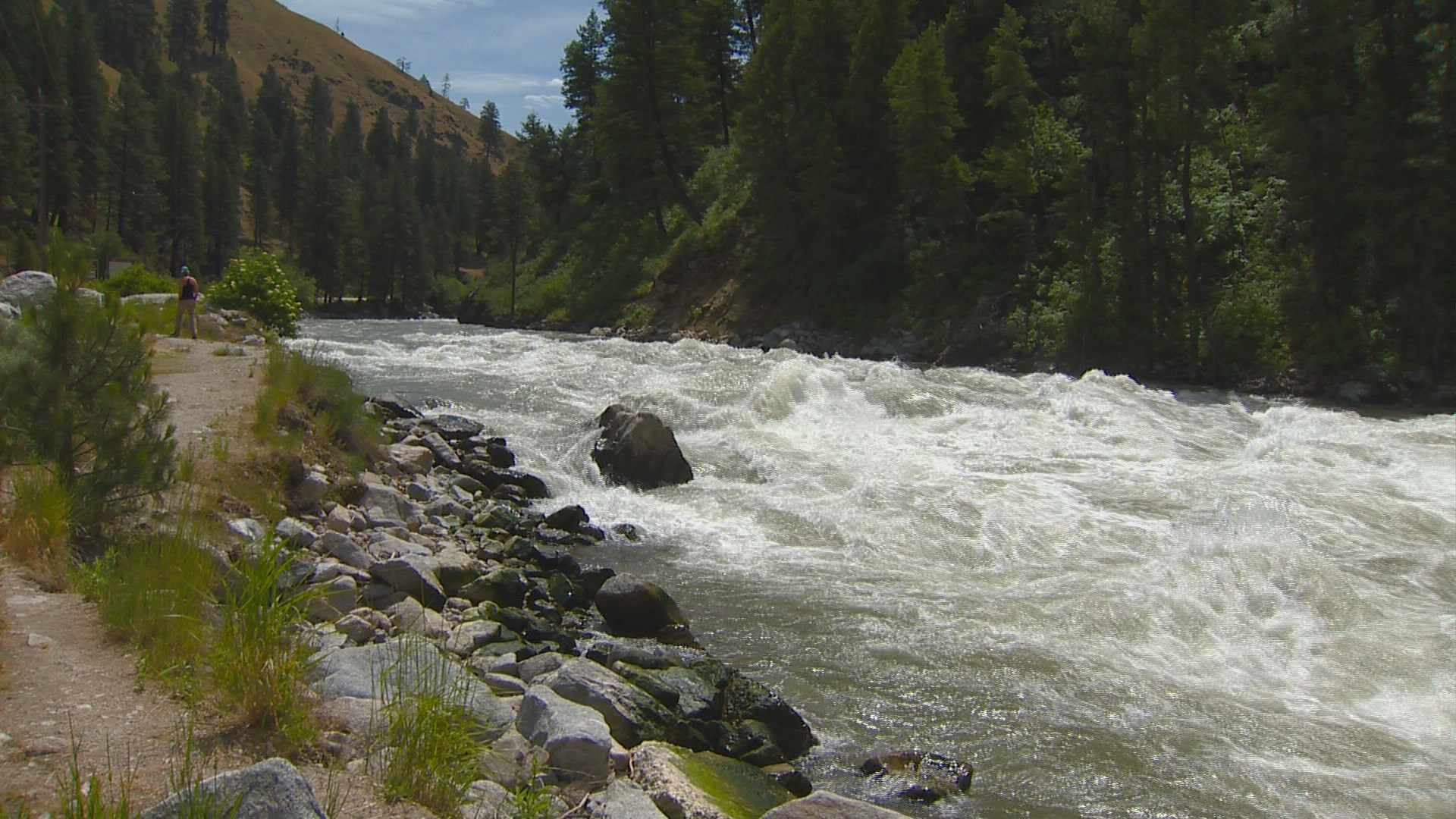 Jeep with 2 bodies inside recovered from Payette River